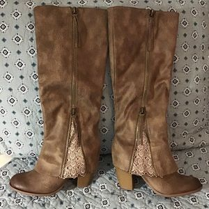 """EUC """"Not Rated"""" Taupe Boots"""